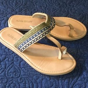 Olivia Miller toe sandals size 7 embroidered look